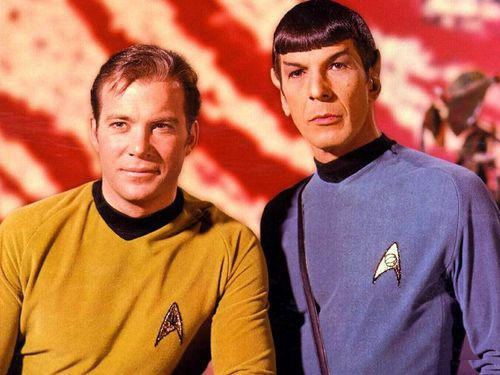 Kirk e Spock dalla serie originale di Star Trek