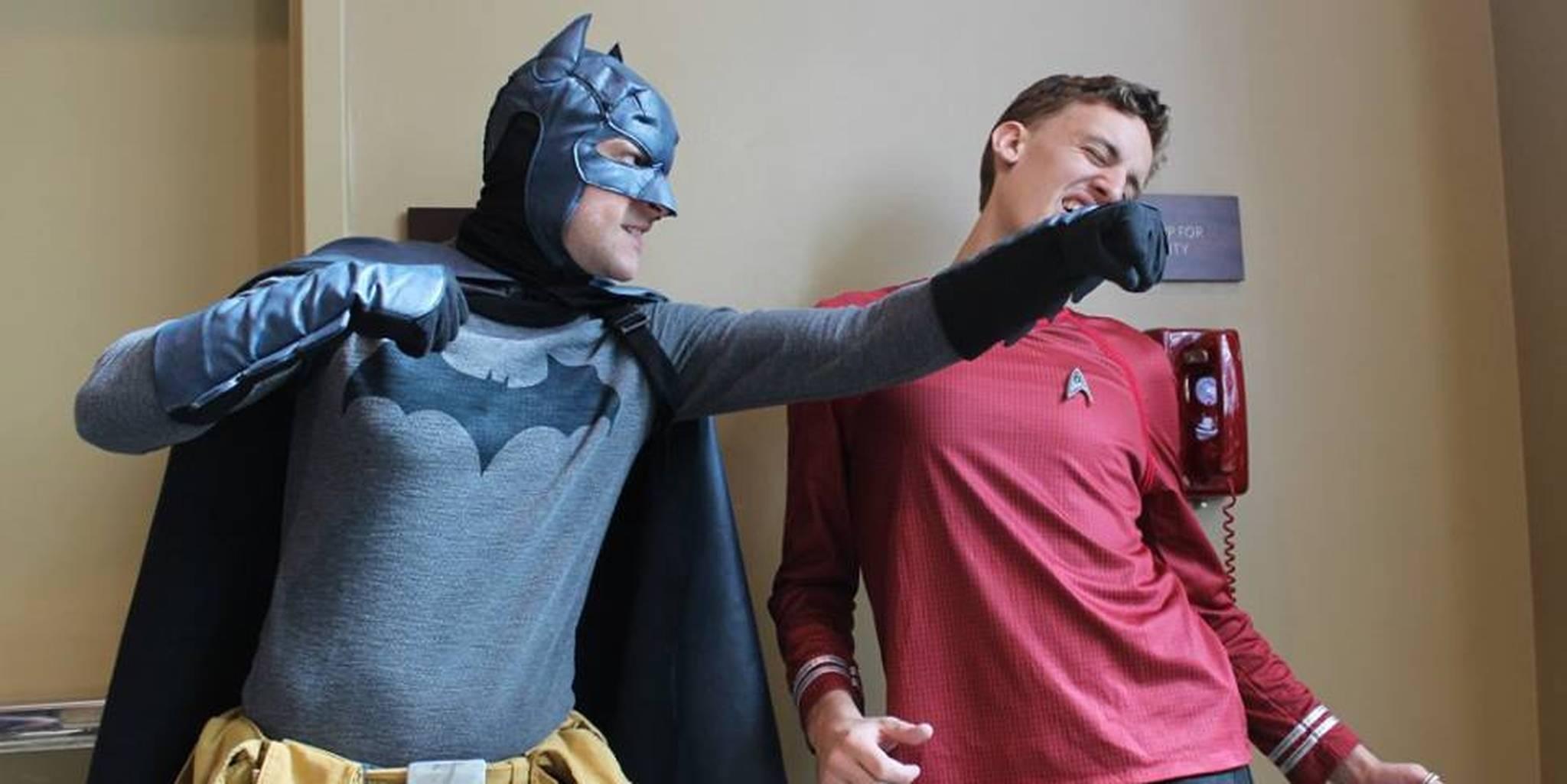 """Il sacrosanto Batman (a.k.a tempo libero) sferra un pugno all'inutile Red-Shirt (a.k.a """"solo le campagne che durano vent'anni valgono la pena di essere giocate"""")"""